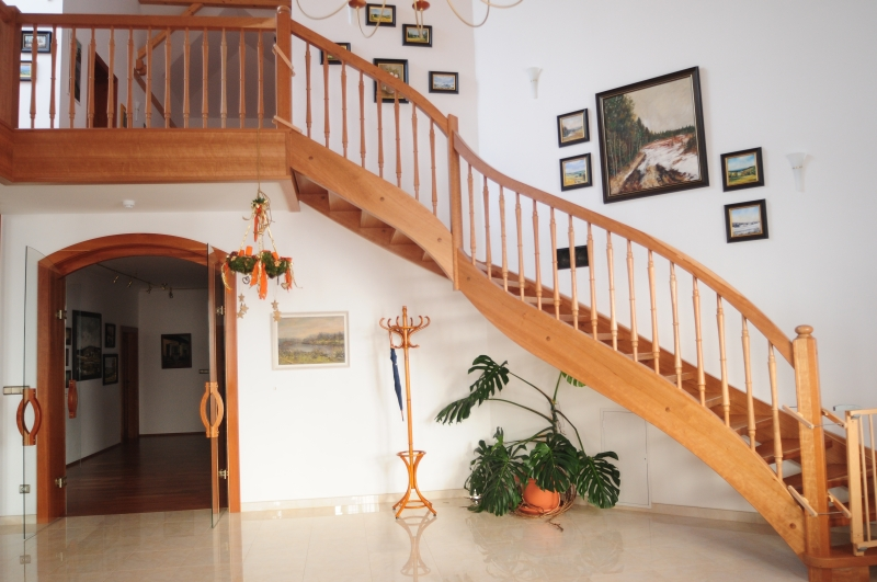 Dřevěné schodiště