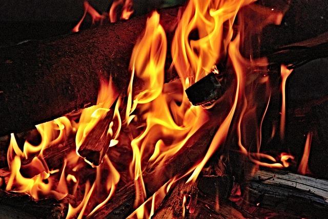 fire-184885_640
