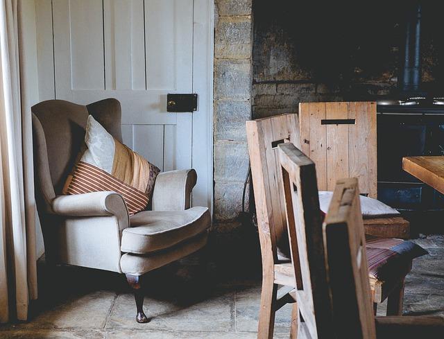armchair-1031257_640